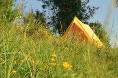 La tente jaune Photographie stock libre de droits