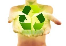 La tenuta delle mani ricicla il segno Immagini Stock Libere da Diritti