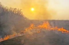 La terra è su fuoco fotografie stock