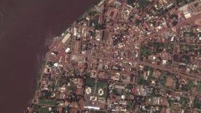 La terra zumma lo zoom verso l'esterno Bangui Repubblica centroafricana stock footage
