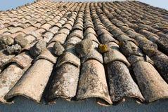 la terracotta del tetto ha coperto di tegoli tradizionale Fotografia Stock