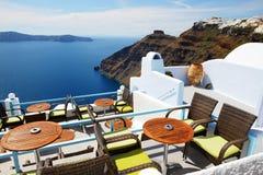 La terraza de la opinión del mar en el hotel de lujo Fotos de archivo libres de regalías