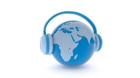 La terre avec l'écoute d'écouteurs Photos libres de droits