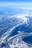 La terre d'en haut : Glace de mer de flottement attrapée dans les courants marins Photographie stock
