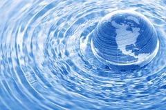 La terre dans l'eau Photos libres de droits