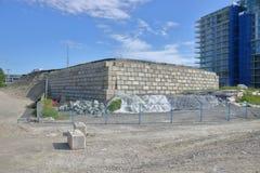 La terre de compactage pour la construction photographie stock libre de droits
