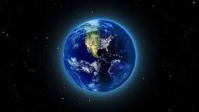 La terre de planète dans l'univers ou l'espace, le globe et la galaxie dans une nébuleuse opacifie Photographie stock libre de droits