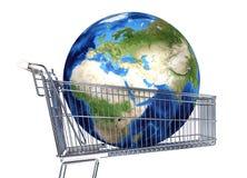 La terre de planète dans le chariot à supermarché L'Afrique, l'Europe et l'Asie v Photographie stock