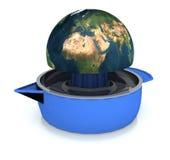 La terre de planète serrée sur le presse-fruits illustration stock