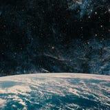 La terre et galaxie L'espace de ciel nocturne image stock