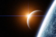 La terre et lune de planète avec le lever de soleil Photo libre de droits