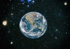 La terre, galaxie et soleil Éléments de cette image meublés par la NASA photographie stock