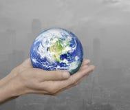 La terre remet dedans la ville de pollution, concept d'environnement, élément Photo libre de droits