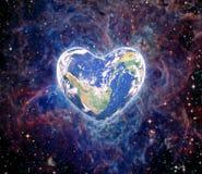 La terre sous forme de coeur, éléments des furnis de cette image Image libre de droits