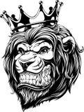 La testa di un leone nella corona Fotografie Stock Libere da Diritti