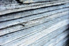 La textura de las líneas de pizarra llena del cemento para el tejado del tejado fotos de archivo libres de regalías