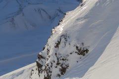 La textura de las montañas coronadas de nieve Spitsbergen (Svalbard) Imágenes de archivo libres de regalías