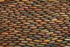 La textura de la pared de piedra del modelo para el diseño y la ordenanza ascendente interior, cercana apiló la pared de piedras Imagen de archivo libre de regalías