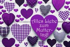 La texture de Purple Heart avec Muttertag signifie le jour de mères heureux Photos libres de droits