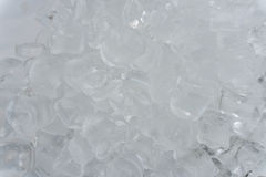 La texture des glaçons, cubes congelés de glace Glace de cocktail Photographie stock