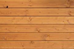 La texture du mur en bois superficiel par les agents Barrière en bois âgée de planche des conseils plats horizontaux avec la peti photo libre de droits