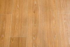 La texture en bois a couvert de tuiles le plancher - grès en bois image libre de droits