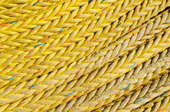 La texture tordue grunge de corde attachent le poteau Photo libre de droits