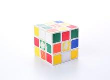La Thaïlande - November 10 : coloré sale de cube en rubik d'isolement sur le fond blanc, November 10, 2015 de Chiang  Images libres de droits