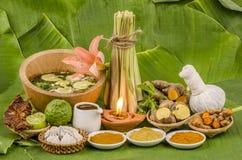 La Thaïlande aux soins de la peau de fines herbes et à l'aromatherapy. Photographie stock libre de droits