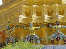 La Thaïlande Bangkok - gardiens d'or Images libres de droits