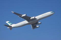 LA THAÏLANDE, BANGKOK 22 NOVEMBRE : Abo de vol d'avion de ligne aérienne de Cathay Pacific Photo stock