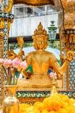 La Thaïlande Bankok San Phra Phrom, éclat d'Erawan, 4 visages Bouddha, 4 a fait face à Bouddha, priant Image libre de droits