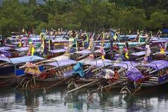 La Thaïlande : Bateaux de long arrière Photos stock