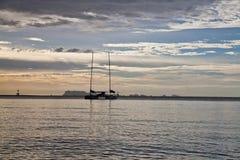 La Thaïlande, coucher du soleil, bateau Image stock