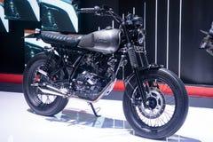 La Thaïlande - décembre 2018 : fin vers le haut de la motocyclette de style de café de légende de GPX présentée dans l'expo Nonth photo stock