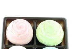 La Thaïlande des bonbons colorés à Mochi dans la boîte noire de d'isolement Image stock