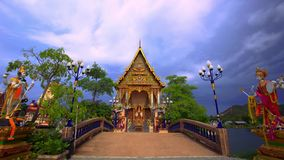 La Thaïlande, Koh Samui 20 juillet 2014 Pagoda bouddhiste clips vidéos