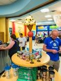La tienda de regalos en helado del ` s de Ben y de Jerry establece jefatura en VT LOS E.E.U.U. de Waterbury Imagen de archivo