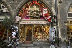 La tienda de souvenirs en Munich adornó para Navidad Fotos de archivo libres de regalías