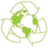 La tierra del planeta con recicla símbolo Fotos de archivo libres de regalías