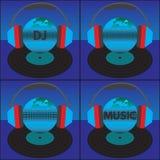La tierra (el globo) con el texto, los auriculares y el disco de vinilo Fotografía de archivo