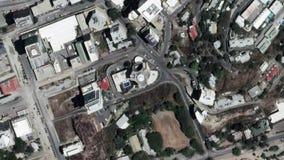 La tierra enfoca adentro enfoque fuera de Port Moresby Papúa Nueva Guinea almacen de video