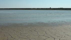 La tierra estéril seca es seca y metrajes