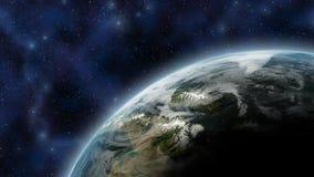 La tierra le gusta el planeta visto de espacio, con el resplandor y las estrellas como fondo - elementos de la atmósfera de esta  ilustración del vector