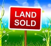 La tierra vendida muestra al agente inmobiliario And Property Fotografía de archivo