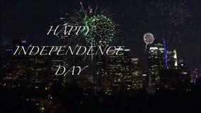 La tipografia felice di festa dell'indipendenza anima dentro i fuochi d'artificio eccessivi video d archivio