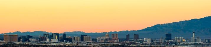 La tira de Las Vegas en la puesta del sol Imágenes de archivo libres de regalías