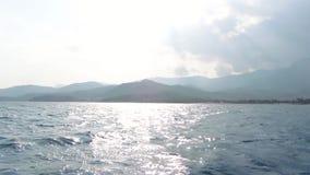 La toma panorámica hermosa del paisaje marino del tiro aéreo tiró la opinión sobre paisaje natural hermoso metrajes