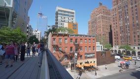 la toma panorámica 4k tiró de la alta línea en Nueva York metrajes