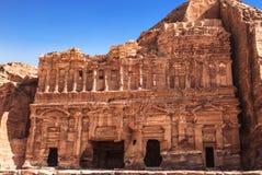 La tomba del palazzo nella capitale del regno di Nabataean, PETRA, fotografia stock libera da diritti